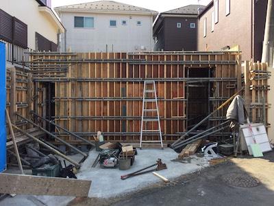 所沢市注文住宅の地下室型枠工事写真