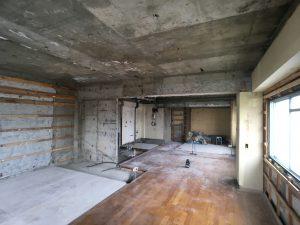 文京区のマンションリフォームの解体写真