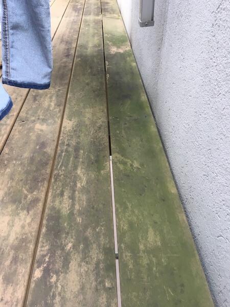人工木のウッドデッキのデメリット画像